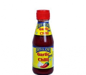 SMITH & JONES GARLIC CHILLI SAUCE BOTTLE 200G