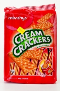 MUNCHY`S CREAM CRACKERS 300G
